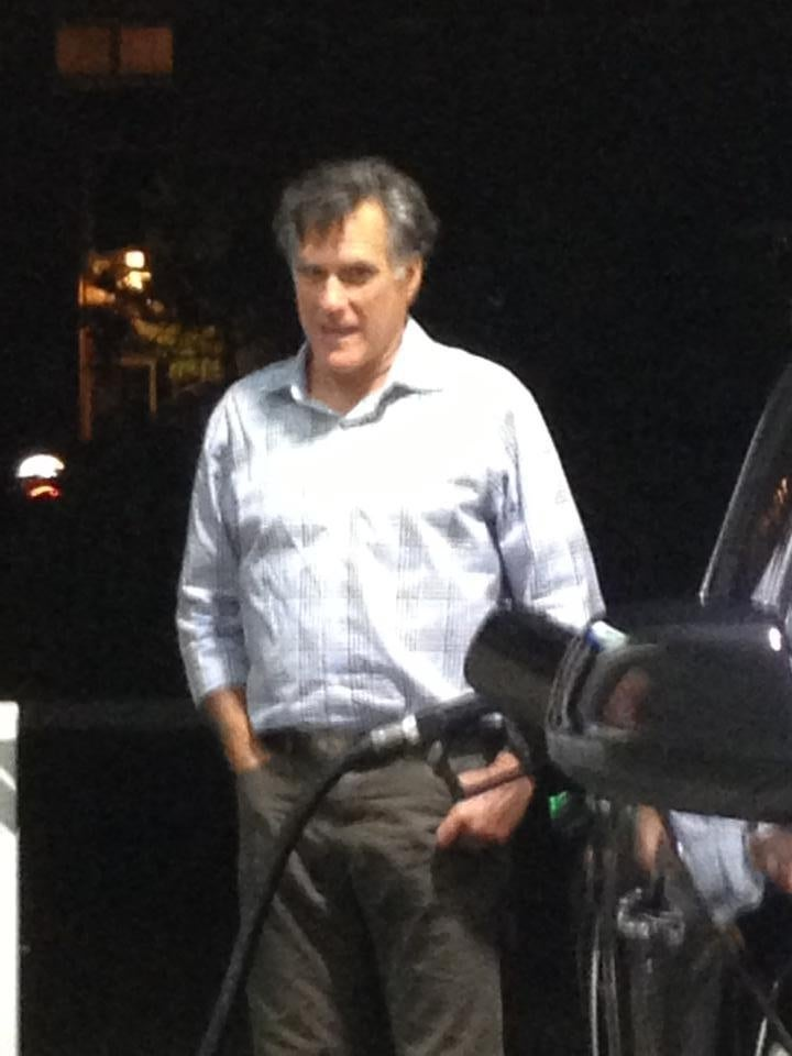Failed GOP Presidential Nominee Mitt Romney Reduced to Pumping Own Gas
