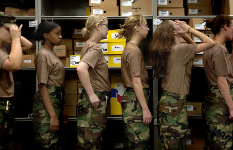 Black Female Soldiers Say the Army's New Hair Rules Are Racist
