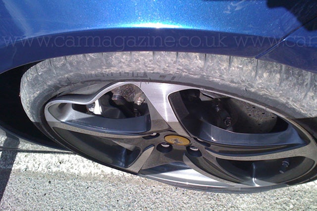 First photo of slightly wrecked Ferrari FF