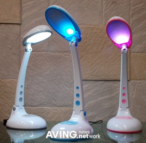 Senslux SLD Desklamps Try to See Off Your Winter Blues, Acne