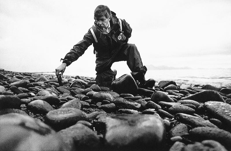 10 Haunting Photos From the Exxon Valdez Oil Spill Catastrophe
