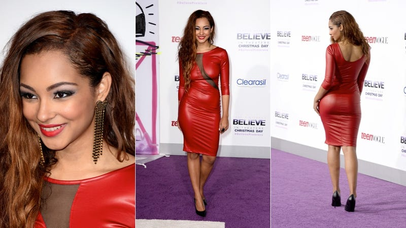 Believe Premiere: Cute Dresses and Bieber as The Elf on the Shelf