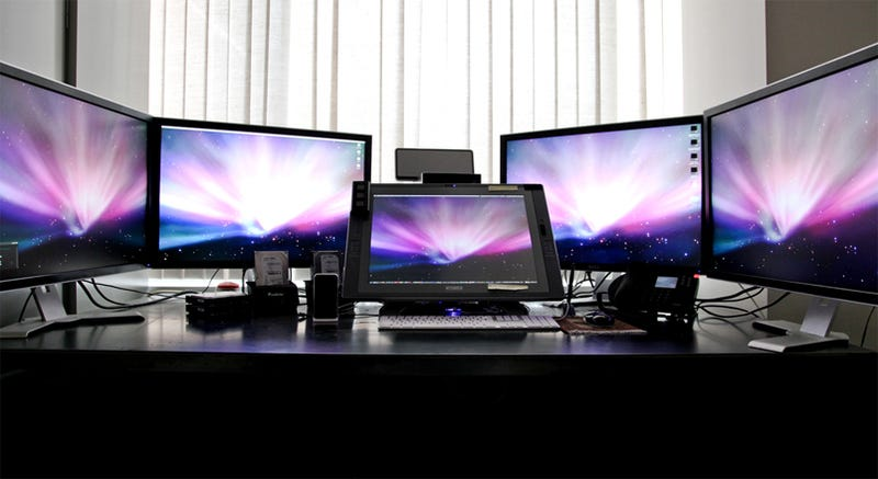 134 of the Most Impressive Workspaces You'll Ever See