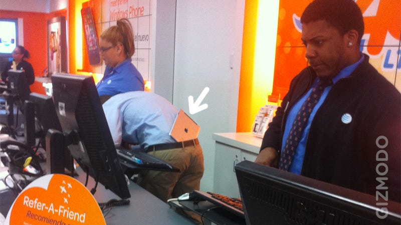 This Asshat AT&T Store Rep Wears His iPad In His Ass