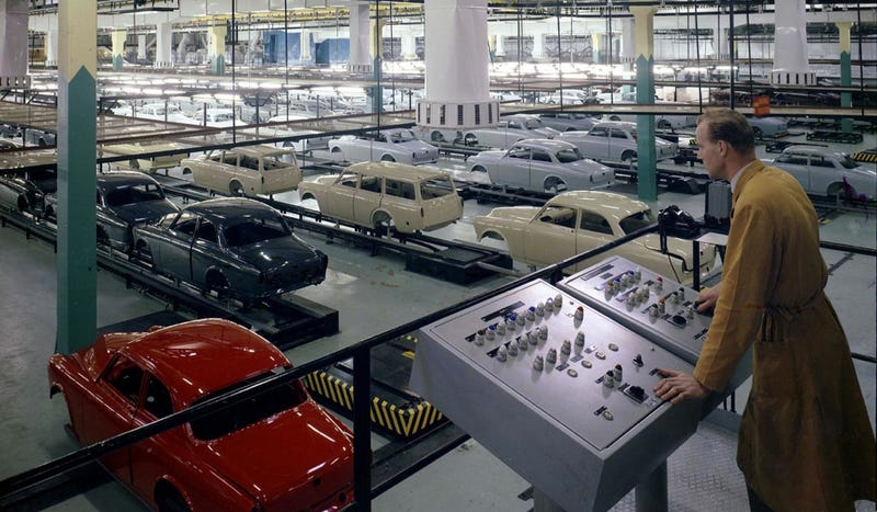 This Is What Volvo Building Cars Looked Like 50 Years Ago