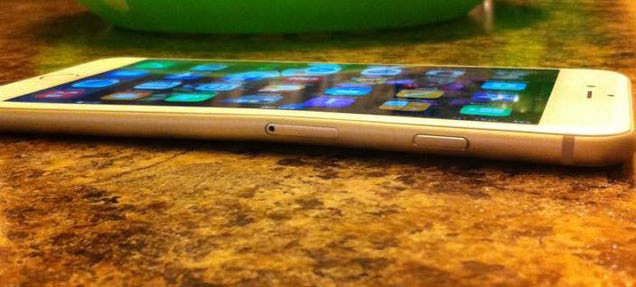 iPhone 6 Plus Owners Report Bending Phones Just From Sitting Down!