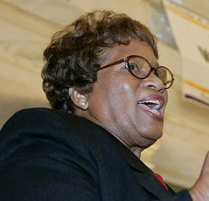 Dr. Joycelyn Elders Weighs In On Sanjay Gupta, Kathleen Sebelius