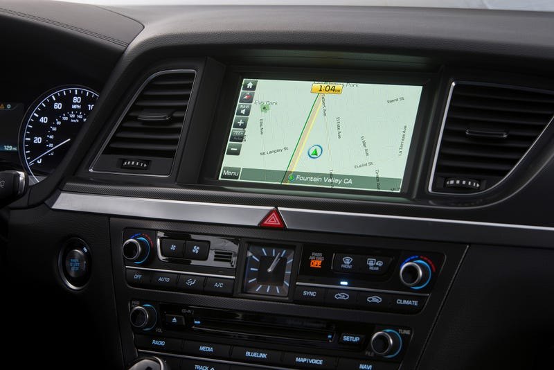 The 2015 Hyundai Genesis Gets All The Gadgets