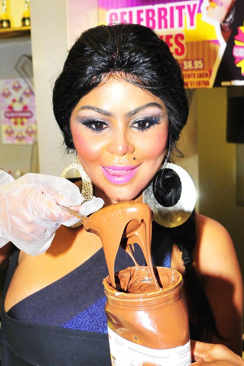 'Just a Sec, Lemme Slap On Some Make-Up'