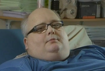 "Former ""World's Fattest Man"" Sues British National Health Service"