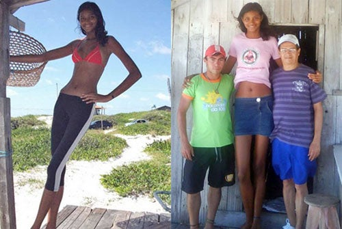 "14-Year-Old Girl Is 6'9"" And Dreams Of Modeling"