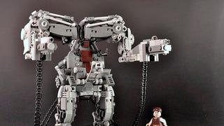 <em>The Matrix</em> Exoskeleton In Lego