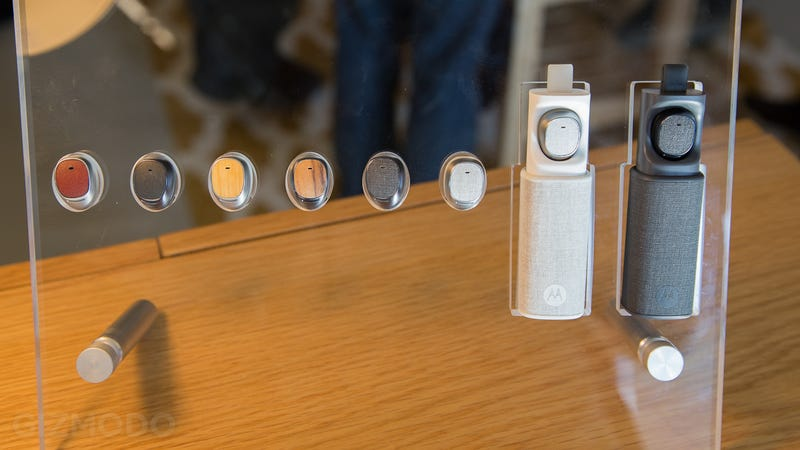 Moto Hint Hands-On: Is This the First Non-Dorky Bluetooth Headset?