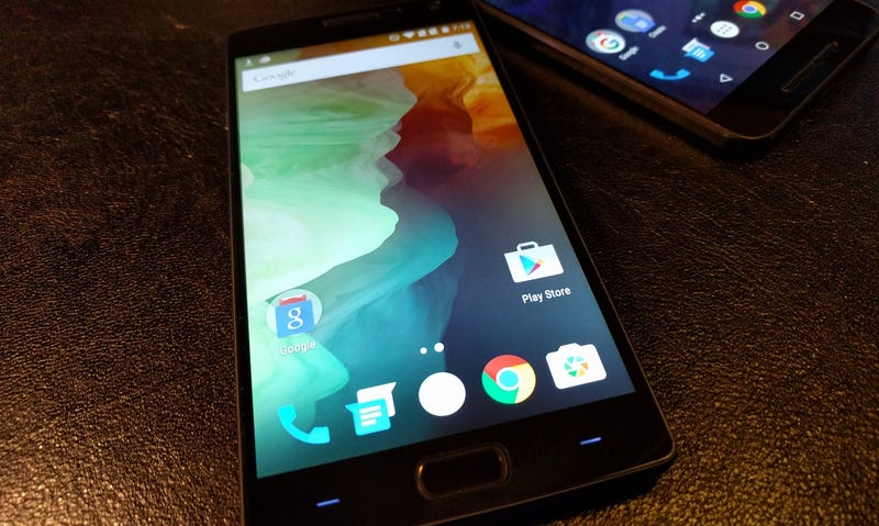 Flagship Battle: The Google Nexus 6P vs. The OnePlus 2