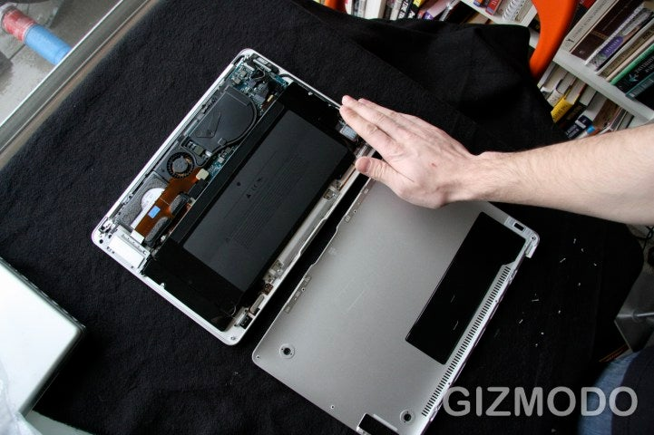 MacBook Air Tear Down: Sexy On the Inside Too