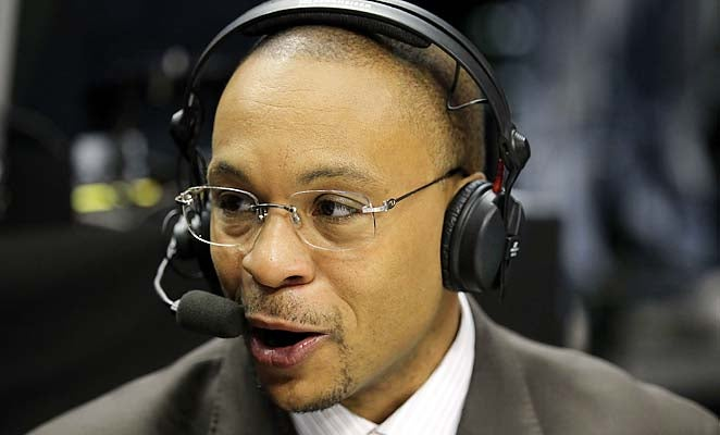 Gus Johnson Is Bad At Announcing Soccer Games