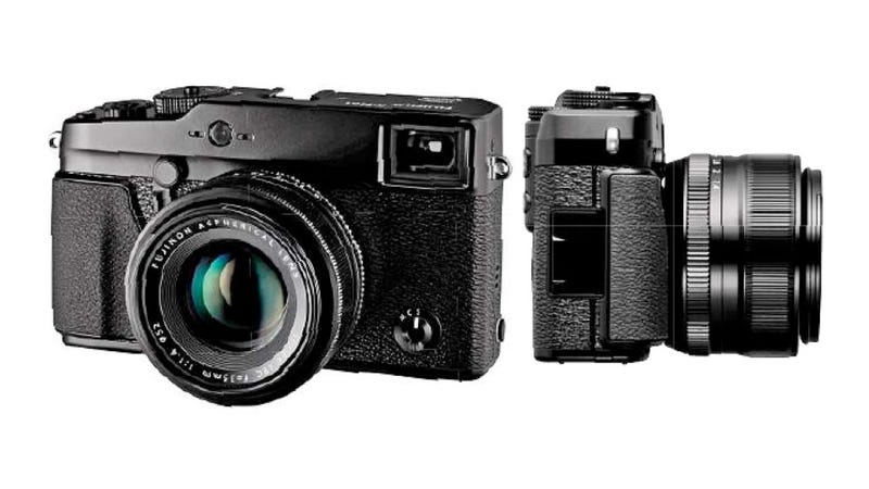 Fuji's Next Beautiful Mirrorless Camera Leaks