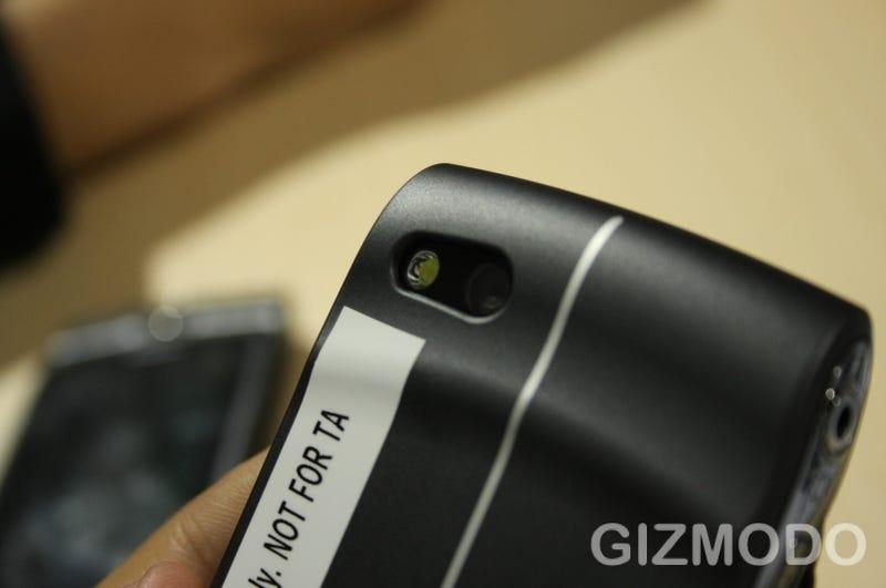 Sidekick LX 2009 Is Lean, Mean 3G Twittering Machine (With a Better Screen)