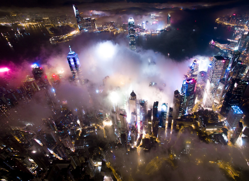 Hong Kong Cloaked in Smog Looks Unreal From the Sky