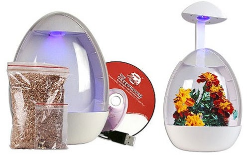 Grow Plants with the USB-Powered Mini-Greenhouse