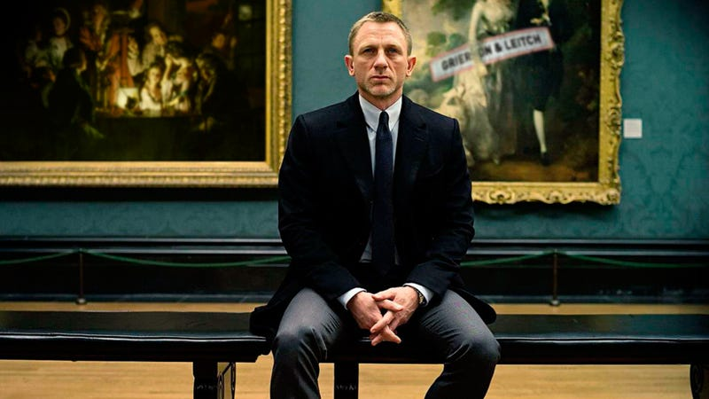 James Bond, The Dark Knight. Skyfall, Reviewed.