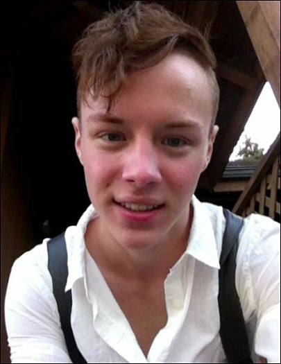 Bullying Drives Gay Teen to Hang Himself in Schoolyard