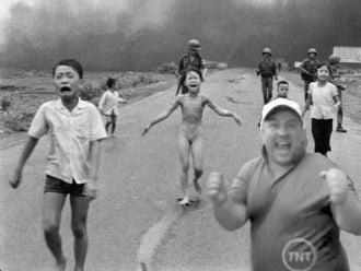 Your Tiger Woods Photobomb Guy Photoshop Roundup