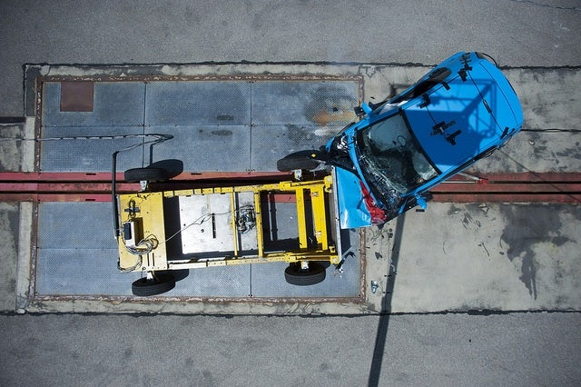 ADAC Small Car Crash Test - Only the smart fortwo Protects Against Life-threatening Injuries