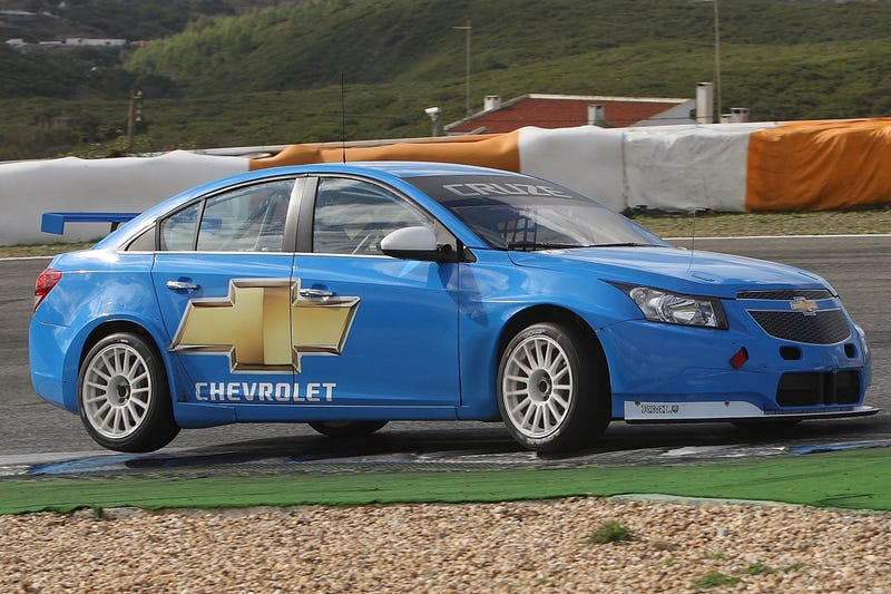 Chevy Cruze WTCC Racer Fully Revealed