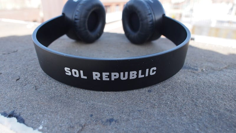 Sol Republic Gal