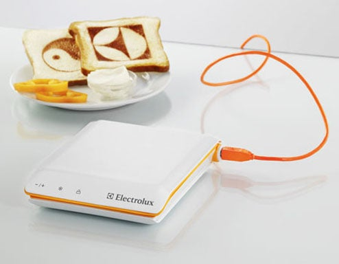 Scan Toaster Prints Text, Photos From the Internet onto Your Bread