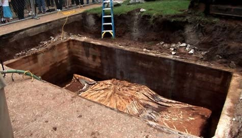 Damn! Buried Tulsa Belvedere's Tomb Full Of Water!