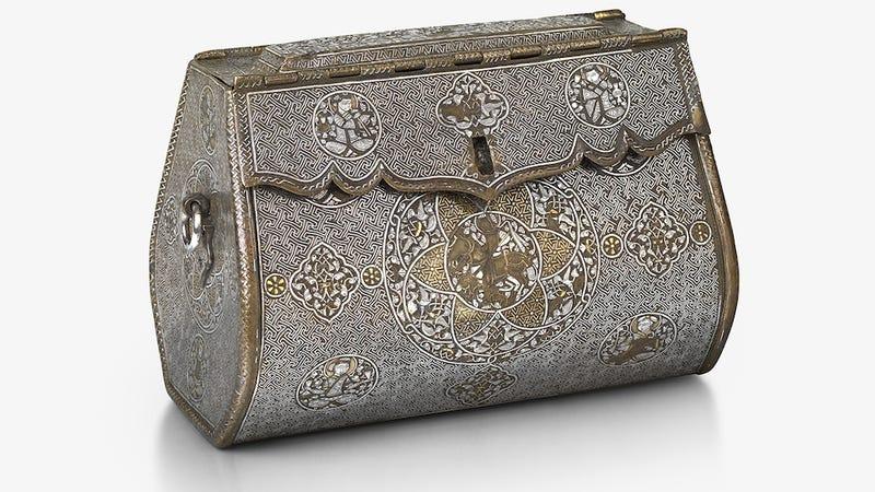 This Handbag From Fourteenth Century Iraq Is So Fetch