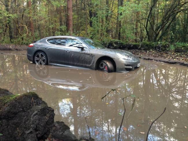 Arsenal's Andre Wisdom follows SATNAV into muddy woods!