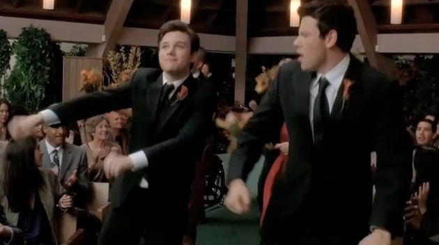 Glee: Three Weddings & A Furt