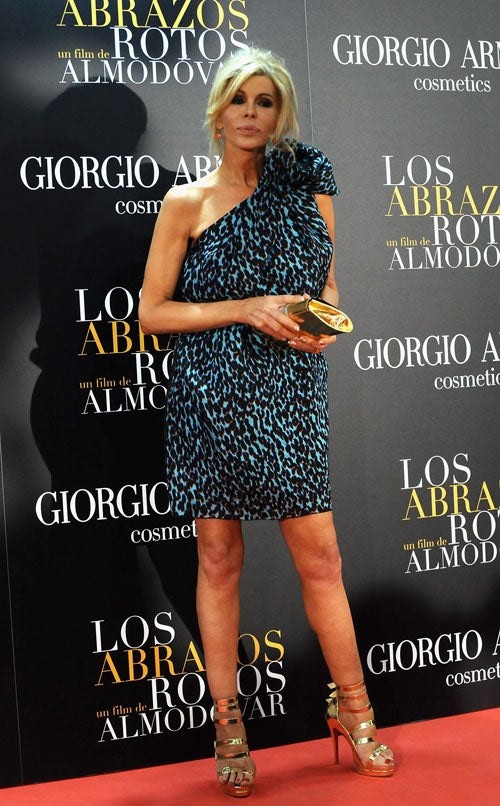 Spanish Fly: Effortless Chic At Los Abrazos Rotos Premiere!