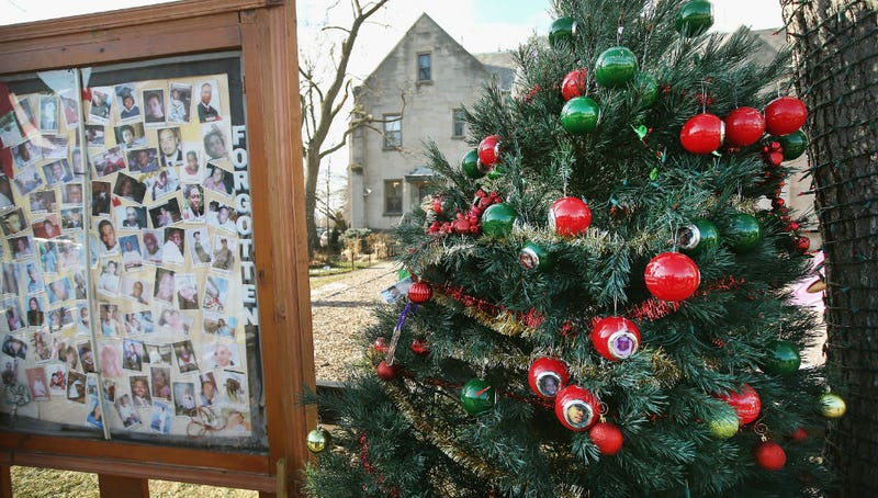 Chicago Christmas Tree Remembers Youngest Victims Of Gun Violence