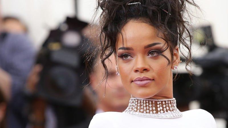Rihanna's Stalker Arrested After Delivering Threatening Letters