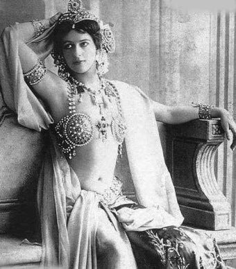 "Russian Model Is Modern Mata Hari • Palin: Obama ""Promoting Shameful Myth"""