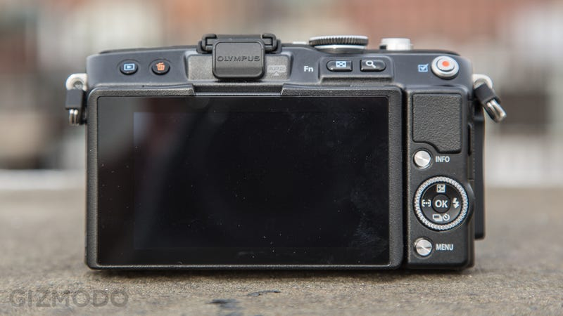 Olympus E-PL5 Review: Top-Notch Guts in an Awkward Body