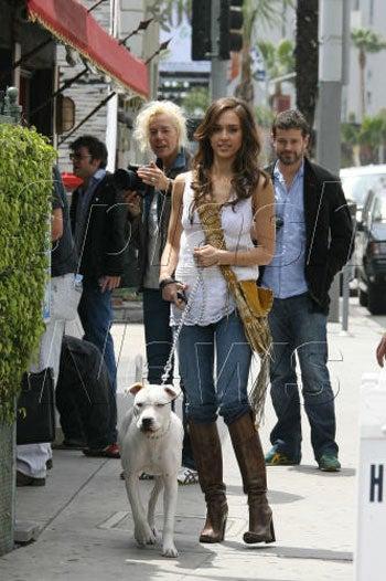 Snap Judgment: Jessica Alba's Cute Dog, Hot Boots