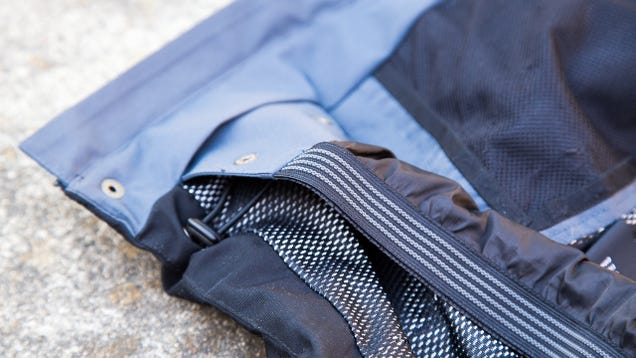 Lukla Endeavor Hands-On: An Aerogel Jacket That Doesn't Overheat