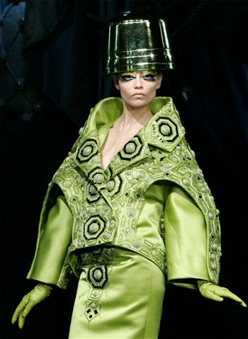 Dior: Galliano Goes On An Acid Trip