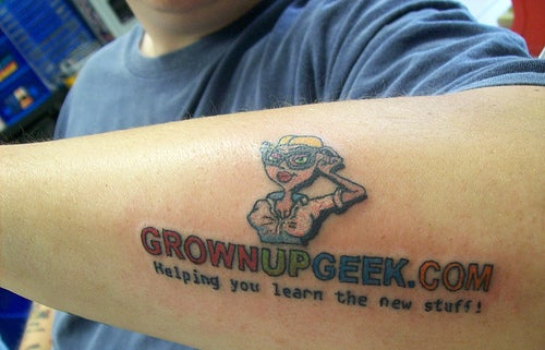 Guy Tattoos Stupid Sites On His Skin for Advertising (and It Seems It Works)