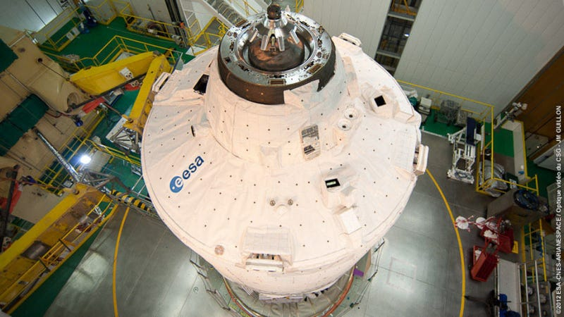 World's Biggest Spacecraft Is Like a Flying Fresh Direct Truck