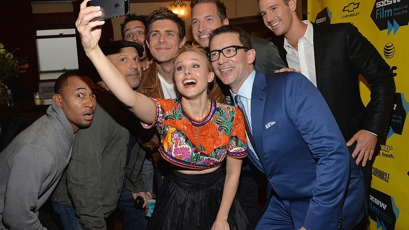 Veronica Mars Selfie: Everybody Say 'Neptune High'