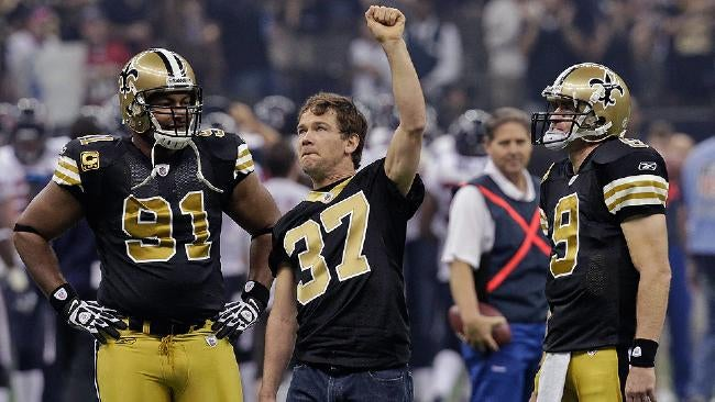 "Reggie Bush Wishes Steve Gleason, Who Has An Incurable And Degenerative Disease, A ""Speedy Recovery"""