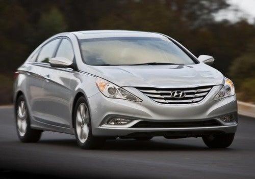 2011 Hyundai Sonata: A Sexy, Camera-Shy Mid-Size
