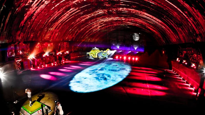 """Hunter S. Thompson Would Have Loved This """"Psychedelic"""" Driving Range"""