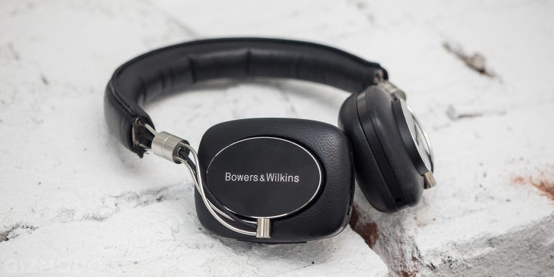 Bowers & Wilkins' First Wireless Headphones Are Brilliant—Except for One Thing